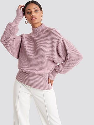 NA-KD Volume Sleeve High Neck Knitted Sweater rosa