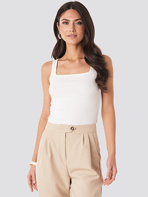 NA-KD Trend Square Neck Sleeveless Top vit