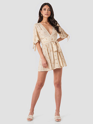 NA-KD Belted Deep V Mini Dress beige