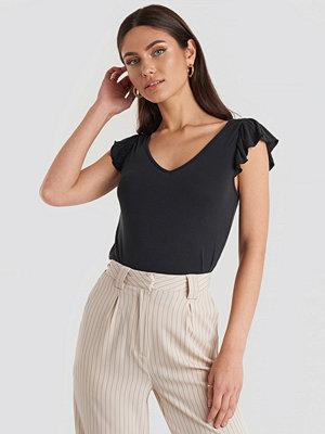 T-shirts - NA-KD Modal Flounce top svart