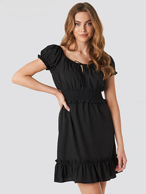 NA-KD Boho Puff Sleeve Mini Flounce Dress svart