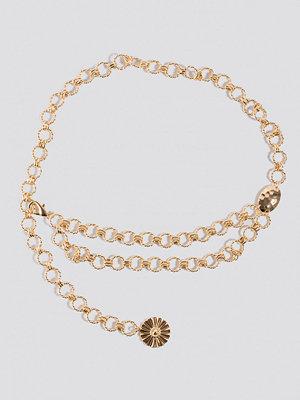 Bälten & skärp - NA-KD Accessories Twisted Links Chain Belt guld