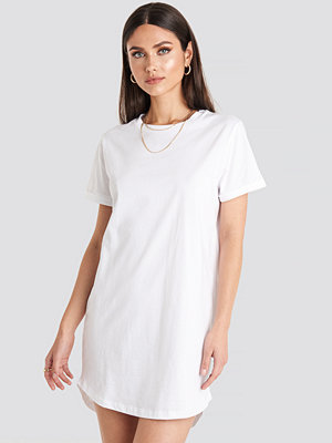 NA-KD Uneven Hem Oversized T-shirt Dress vit