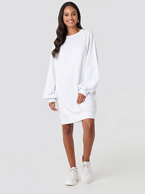 NA-KD Balloon Sleeve Sweatshirt Mini Dress vit