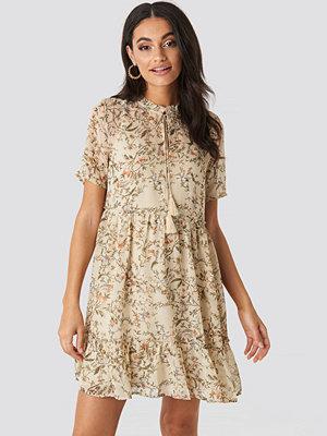 NA-KD Boho Short Sleeve Flowy Mini Dress beige