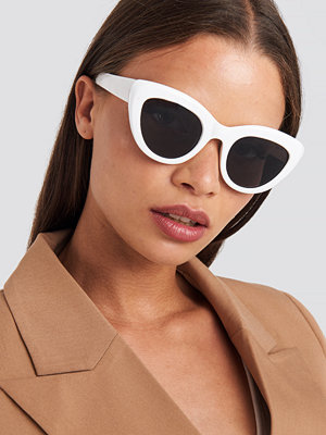 Solglasögon - NA-KD Accessories Cat Eye Sunglasses vit