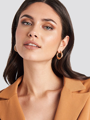 NA-KD Accessories smycke Small Hammered Braided Hoops guld