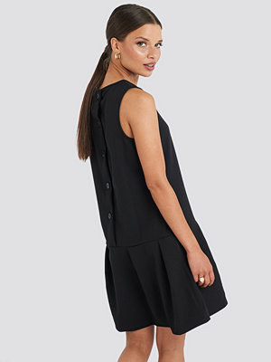 Trendyol Sleeveless Flywheel Mini Dress svart