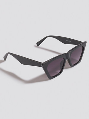 NA-KD Accessories Edgy Cat Eye Sunglasses svart