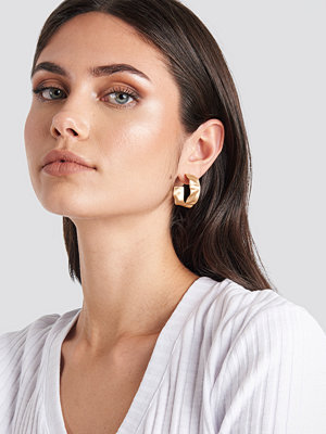 NA-KD Accessories smycke Flat Hammered Uneven Hoops guld