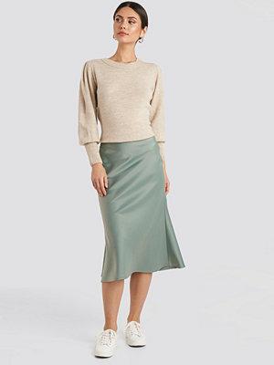 NA-KD Classic Satin Skirt grön