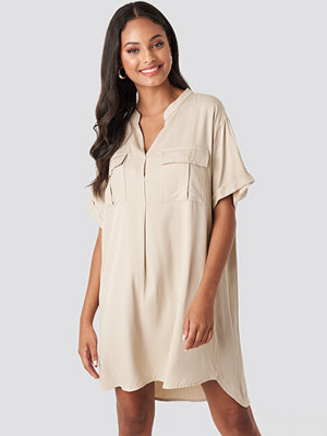 NA-KD Oversized Cargo Tunic Dress beige