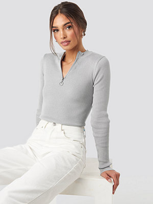 NA-KD Zip Knitted Sweater grå