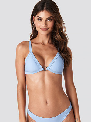 Gerda x NA-KD Detailed Bikini Top blå