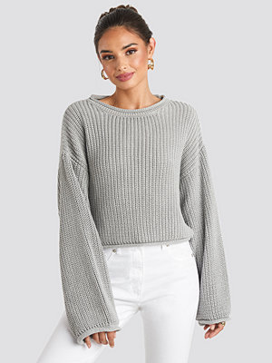 NA-KD Cropped Boat Neck Knitted Sweater grå