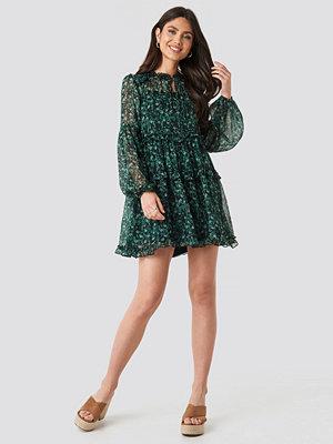 NA-KD Boho Multi-Frills LS Chiffon Dress grön