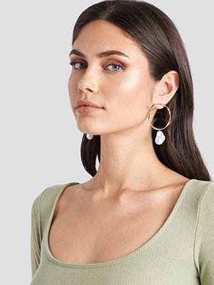 NA-KD Accessories smycke Uneven Ring Pearl Drop Earrings guld