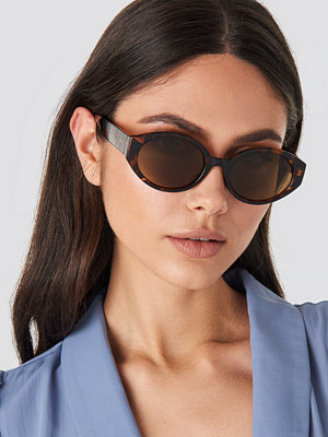 Solglasögon - NA-KD Accessories Retro Drop Shape Sunglasses brun