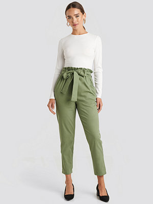 Trendyol omönstrade byxor Binding Detailed Trousers grön