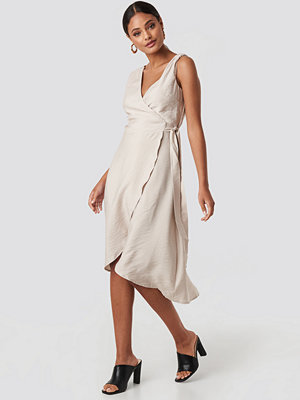 Trendyol V-Neck Binding Midi Dress beige