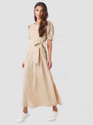 NA-KD Boho Puff Sleeve Belted Maxi Dress beige