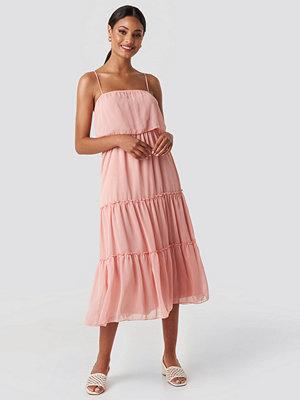 Trendyol Carmen Neck Midi Dress rosa