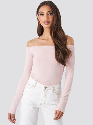 NA-KD Basic Long Sleeve Off Shoulder Top rosa