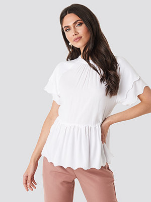 T-shirts - NA-KD Scallop Hem High Neck Top vit