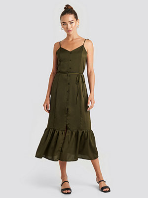 Trendyol Knot Strap Button Detailed Midi Dress grön