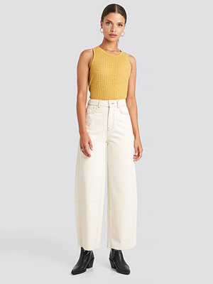 NA-KD Trend Raw Hem Wide Leg Jeans vit