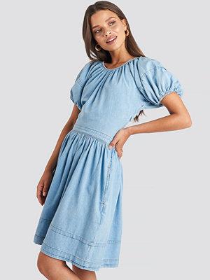 NA-KD Puff Sleeve Denim Mini Dress blå