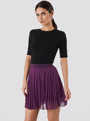 NA-KD Mini Pleated Skirt lila