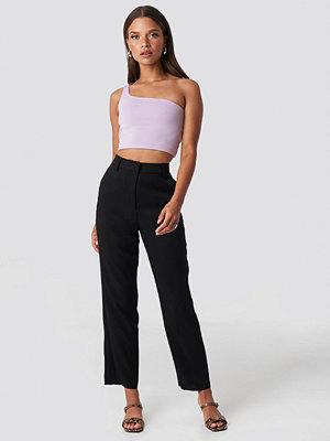 NA-KD Trend svarta byxor Raw Hem Ankle Pants svart