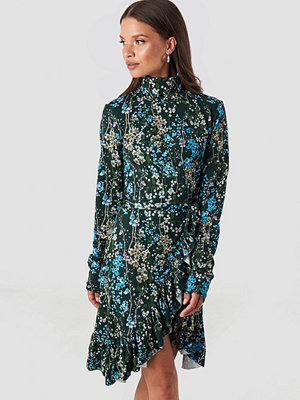 NA-KD Trend High Neck Floral Wrap Dress multicolor