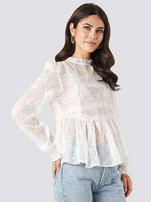 NA-KD Boho Frill Neck Embroidery Blouse vit