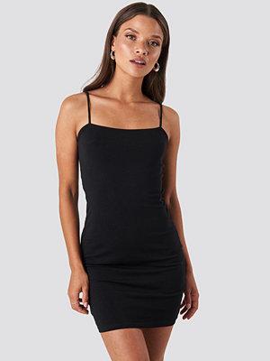 NA-KD Party Bandeau Cami Mini Dress svart