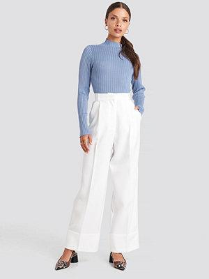 NA-KD Trend vita byxor Folded Pants vit