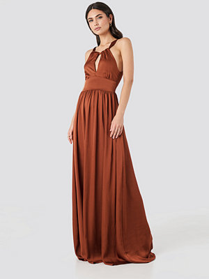Trendyol Neck Detailed Evening Dress röd