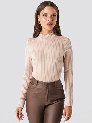 NA-KD Ribbed Knitted Polo Sweater beige