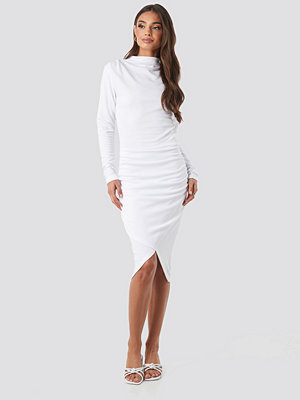 NA-KD Party Twist Wrap Dress vit