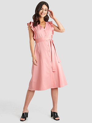 NA-KD Belted V-Neck Ruffle Midi Dress rosa