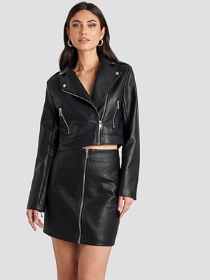 Kjolar - Nicole Mazzocato x NA-KD Pu Zipper Skirt svart