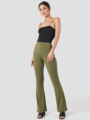 Leggings & tights - NA-KD Trend Flared Leggings grön