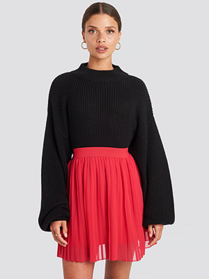 NA-KD Mini Pleated Skirt röd