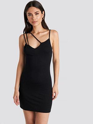 NA-KD Party Multi Strap Cami Mini Dress svart