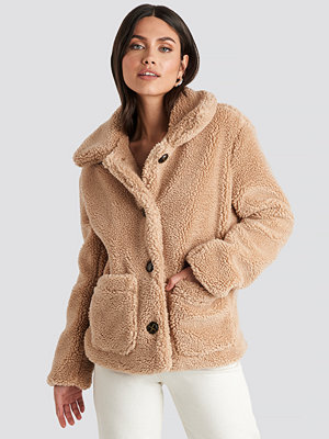 NA-KD Button Teddy Jacket beige