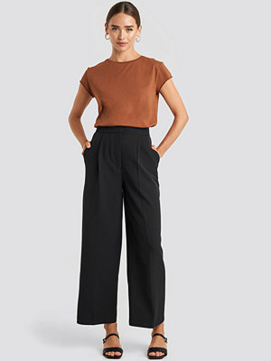 NA-KD svarta byxor Elastic Detail Wide Pants svart