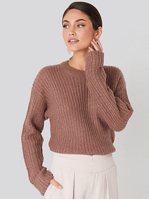 NA-KD Folded Sleeve Round Neck Knitted Sweater rosa
