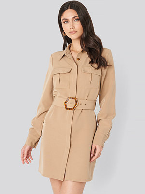 NA-KD Trend Belted Straight Fit Shirt Dress beige