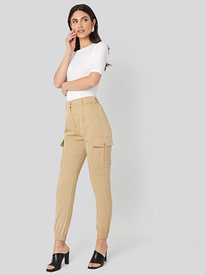 Sisters Point gula byxor Nia Pants beige